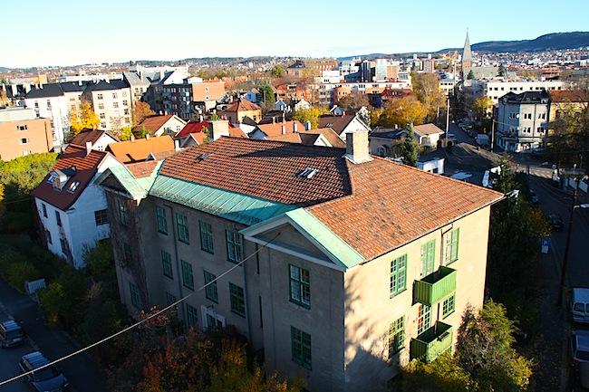 Illustrasjonsbilde av Oslo by sine tak med takstein.