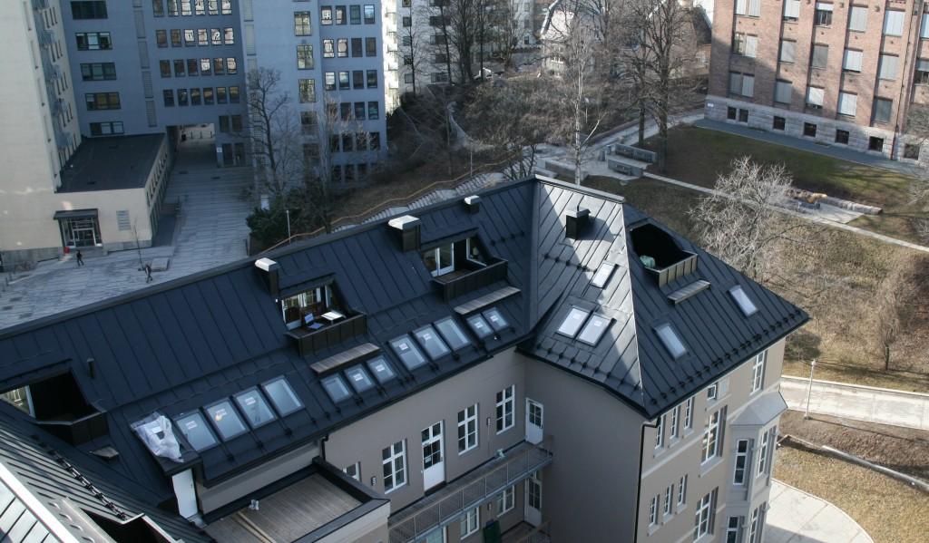 Illustrasjonsbilde av tak på Pilestredet Park med båndtekking i stål.