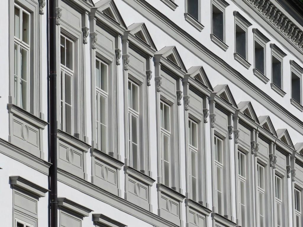 Bytte av vinduer på fasader.